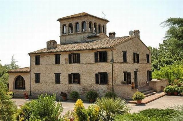 Villa Bonci mit Turm