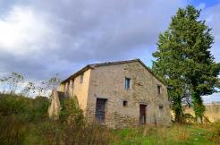 Frassinella farmhouse in marche