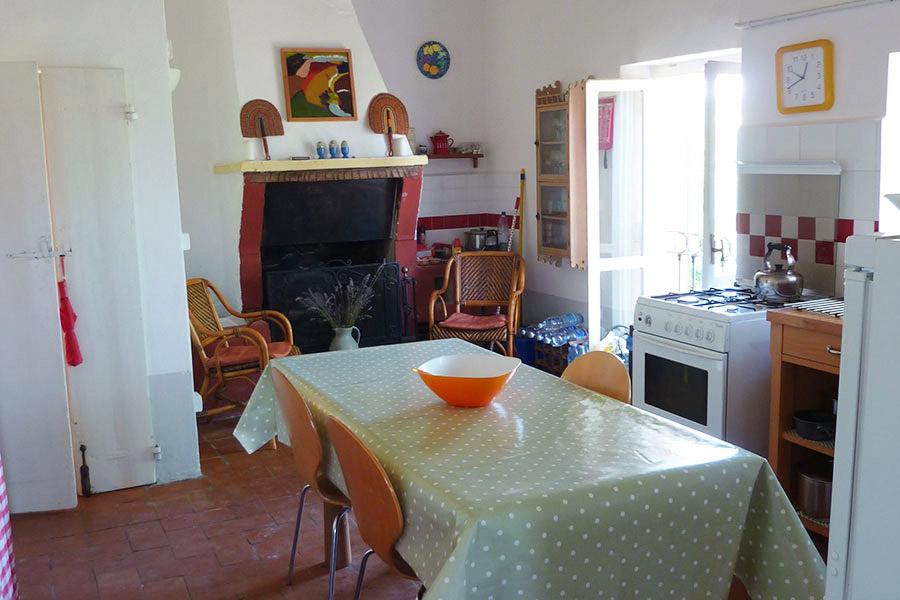 Cucina con caminetto, Casa Rosa a Santa Maria Nuova (AN)