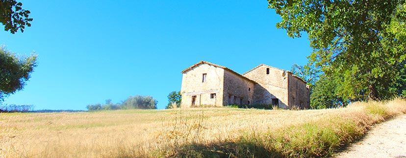 houses to restore in the region Marche
