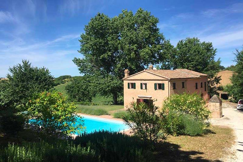 casale con piscina casa rosa