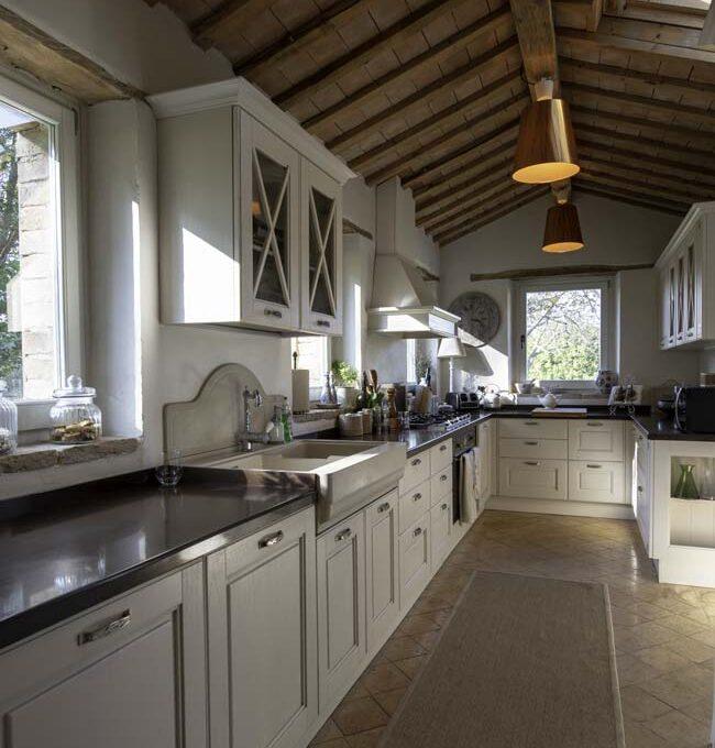 monastero-favari-kitchenette
