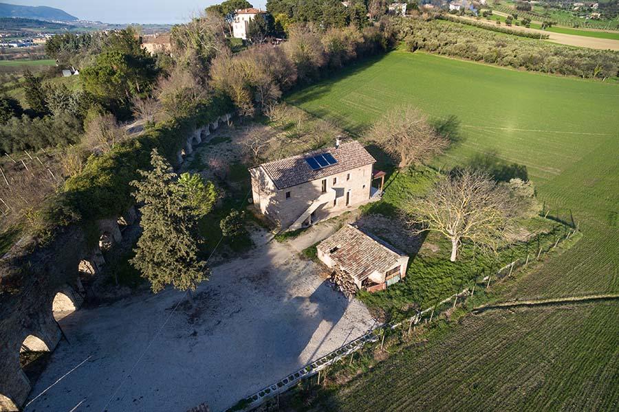 Casale Loreto nei pressi di Recanati