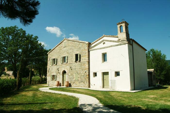 Monastero ristrutturato ad Apiro