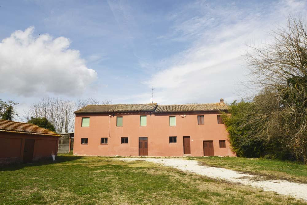 Casale-Montemarciano-frontecasa