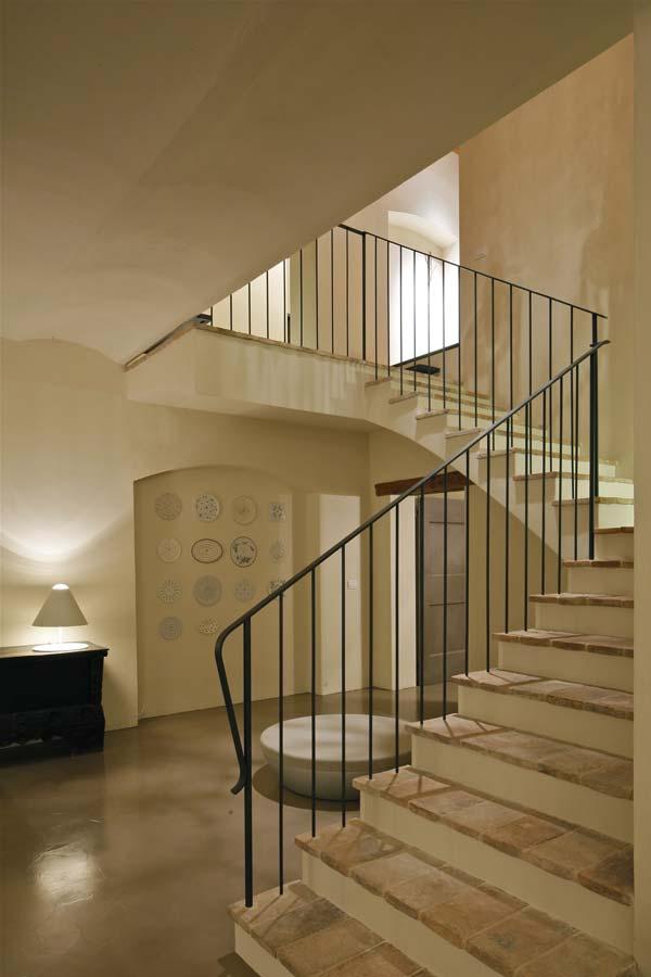 casolare-maria-scalinata