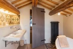 casolare-maria-smallbathroom