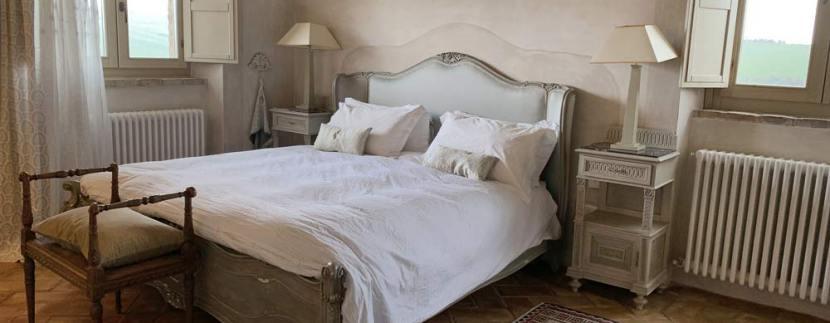 casale-villa-claire-bedroom