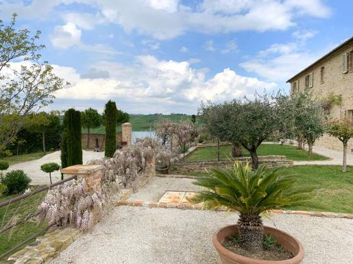 casale-villa-claire-ingresso