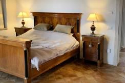 casale-villa-claire-letto
