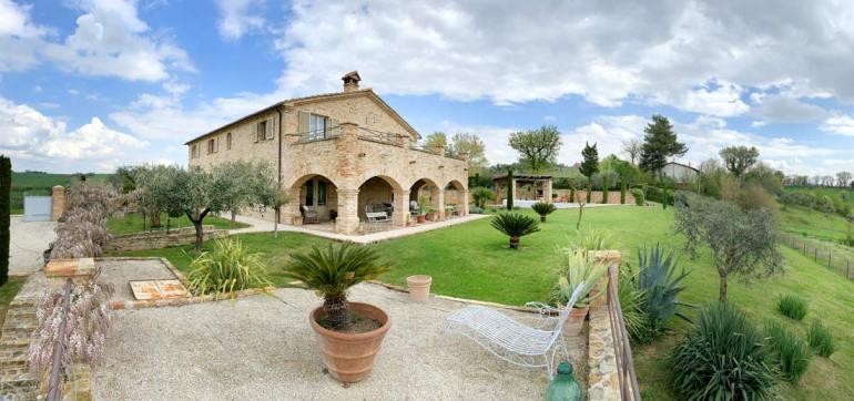 casale-villa-claire-prospetto