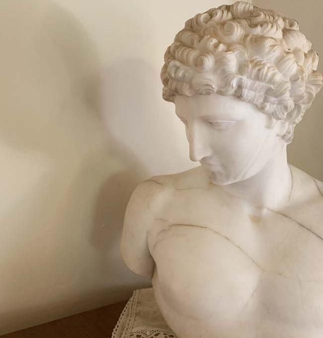 casa-verdicchio-statua