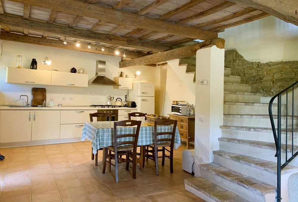 casale-verdicchio-kitchen