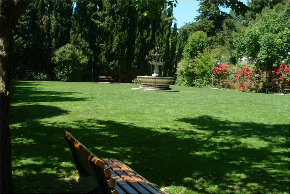 Villa-Rovere-prato