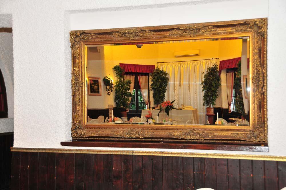 villa-rovere-mirror