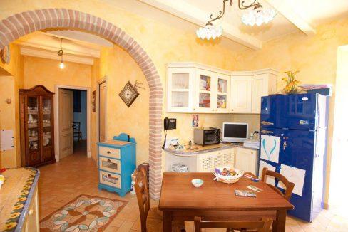 casale-scisciano-kitchen
