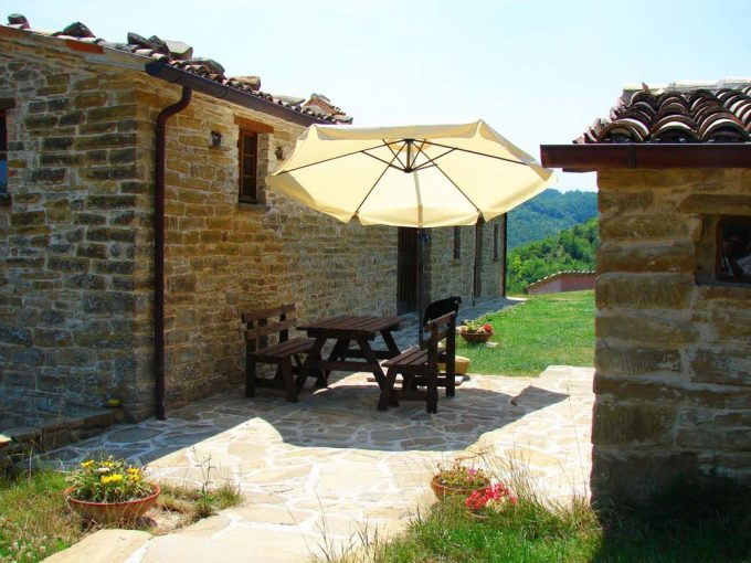 Casale Terre Antiche vicino Urbino