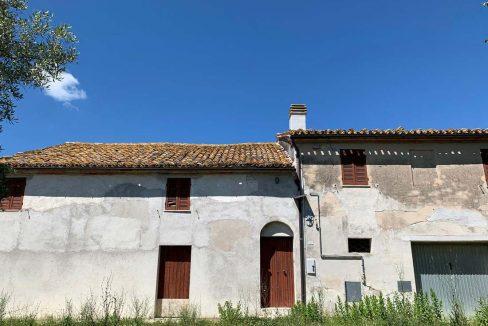 Casale-Belvedere-fronte