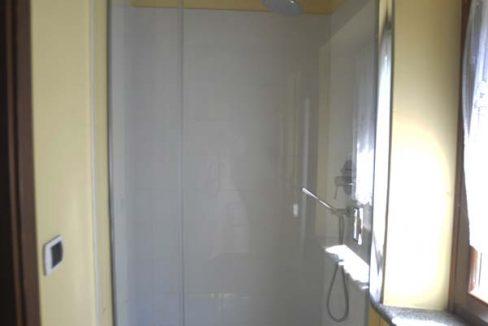 casale-rosso-doccia