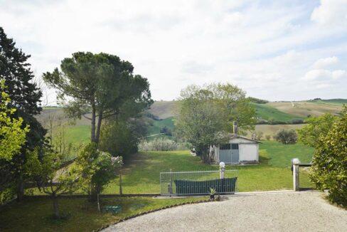Casale-Corinaldo-green-garden