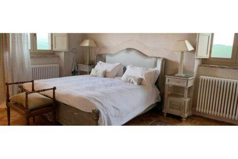 casale-villa-claire-bedroom-830x323