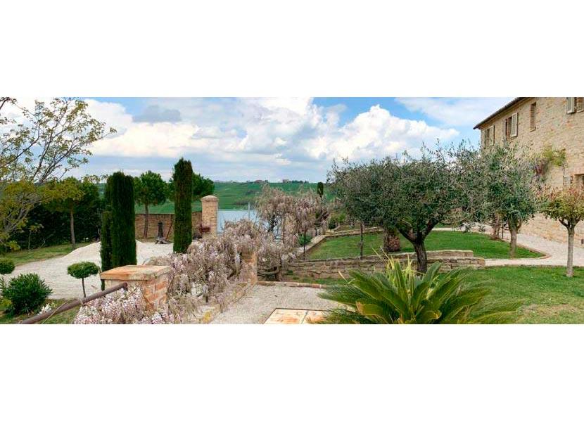 casale-villa-claire-ingresso-830x323