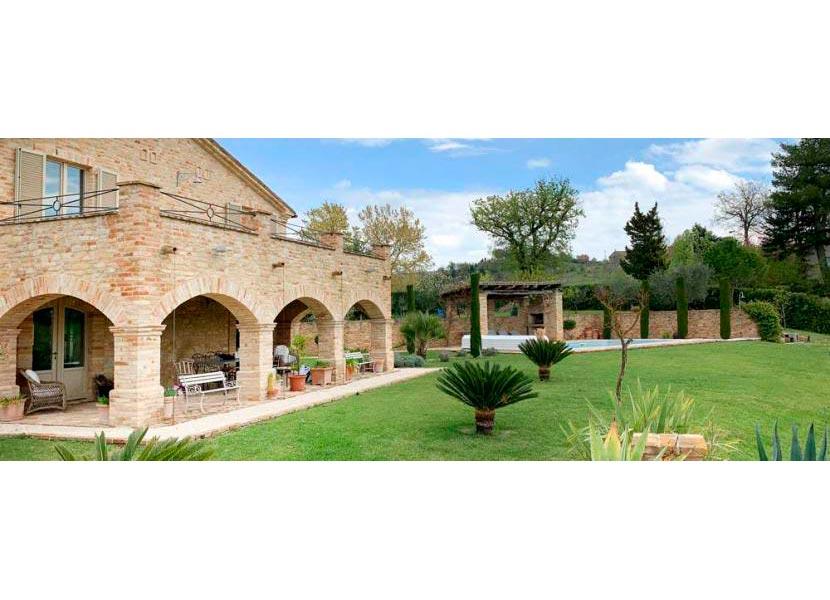 casale-villa-claire-lungo-830x323