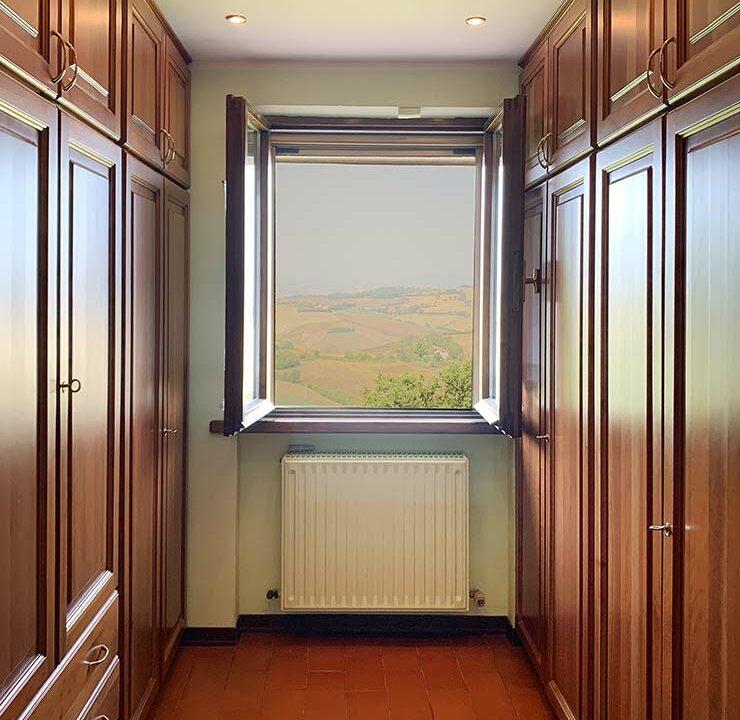 casale-roveresco-cabina-armadio