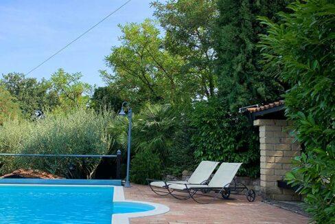 casale-roveresco-piscina
