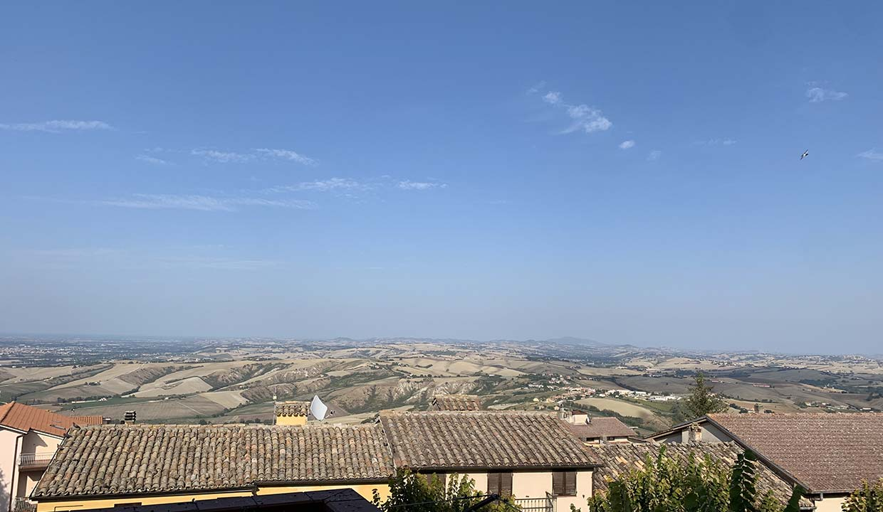 A house with a view on Marche