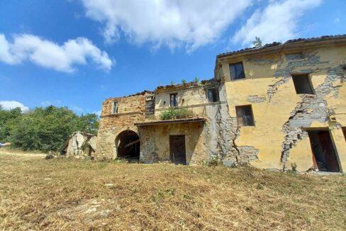 casale-Matenano-corner