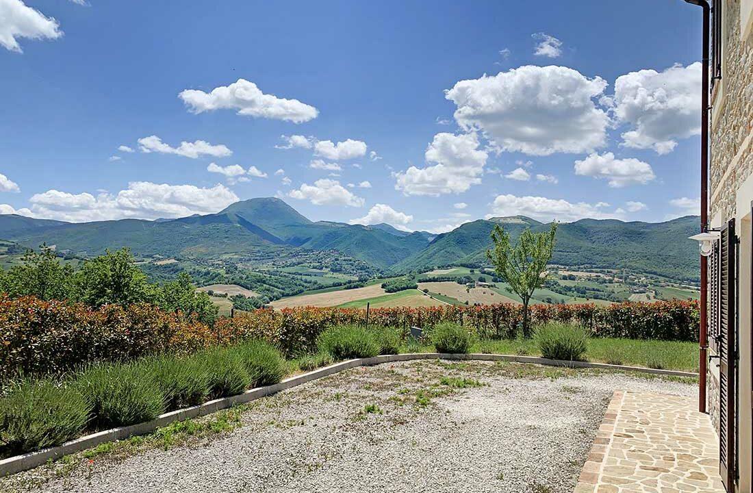 casale-apiro-view