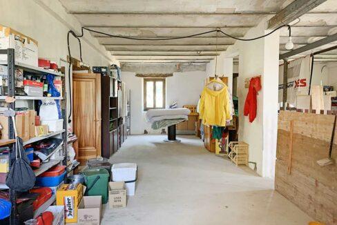 casale-san-marcello-garage