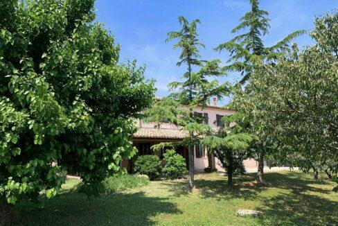 casale-san-marcello-giardino