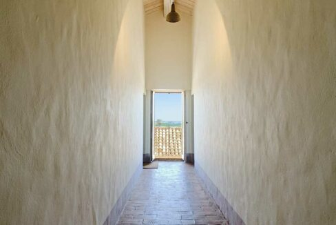 Casale-Colognola-lungo-corridoio