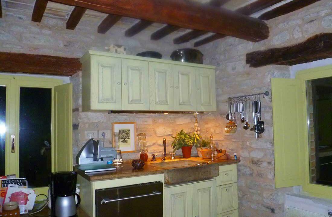 Casa-Montefeltro-lavandino
