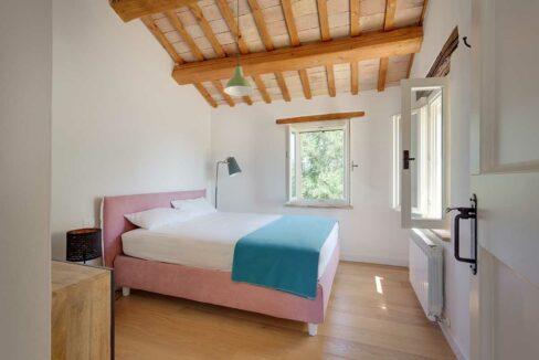 Casale-Senigallia-1st-bedroom