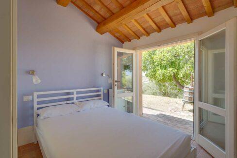 Casale-Senigallia-particular-bedroom