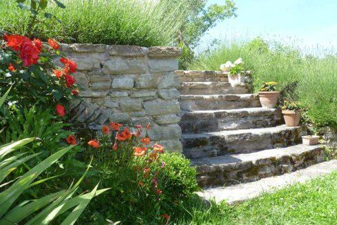 Montefeltro-scale-giardino