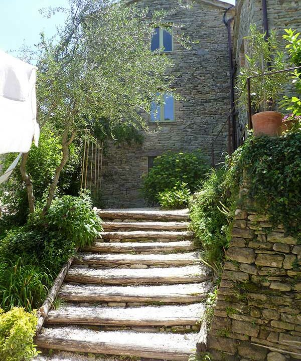 casale-Montefeltro-scalinata