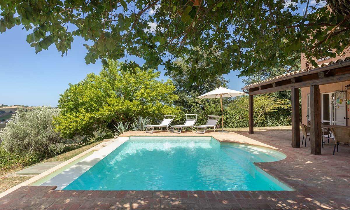 casale-senigallia-piscina