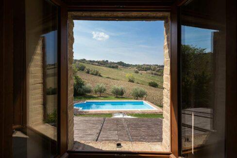 Casale-Piagge-pool-window
