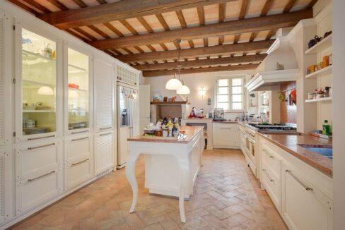 Villa-Commenda-particolare-cucina