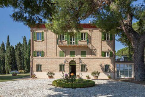 Villa-Montecassiano-prospetto