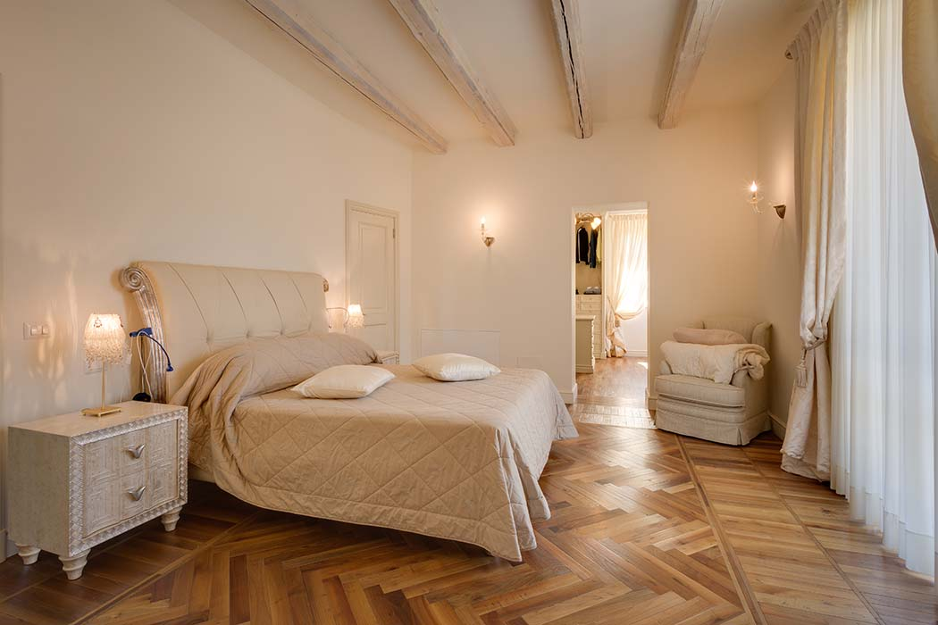 montecassiano-master-bedroom