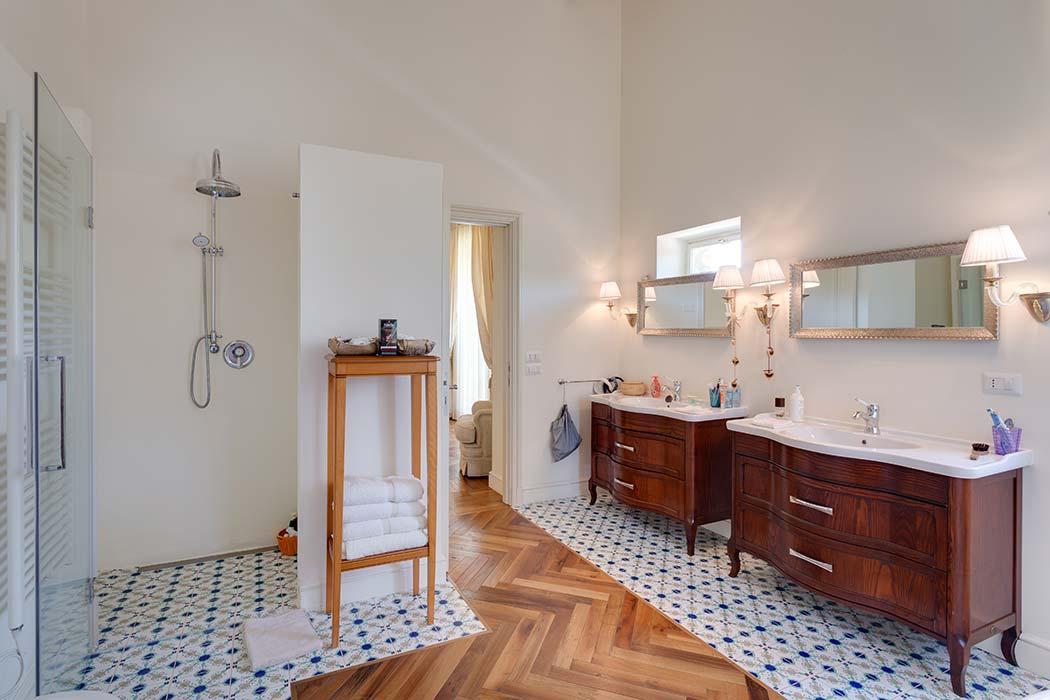 montecassiano-masterbedroom